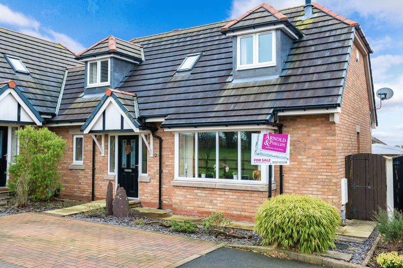 3 Bedrooms Semi Detached House for sale in Bradley Gardens, Aspull